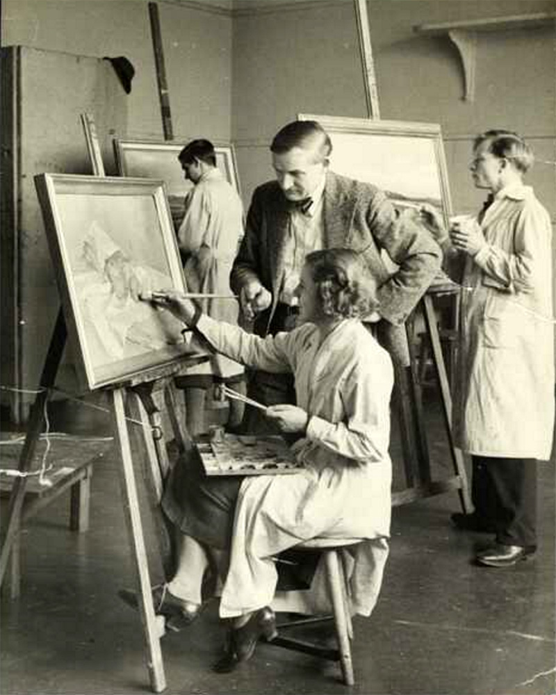 Alfred Partikel with his students, 1930